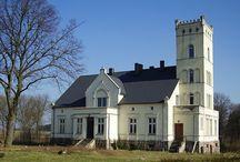Gmurowo - Pałac / Pałac w Gmurowie pałac z 1871 roku wybudowany przez rodzinę Orlandów, drugim właścicielem była rodzina John. Obecnie zabytek znajduje się w rękach prywatnych.