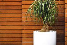 By Hobby Flower / La marque espagnole Hobby Flower fabrique et développe des jardinières design et contemporaines pour l'extérieur. Jardinières métal, polypropylène ou bois, chaque modèle est fonctionnel et s'adapte aux contraintes des plantes pour assurer leur bon développement.