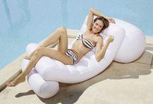 Matelas gonflable pour buller à la piscine ! / Profitez du farniente sur son matelas gonflable !