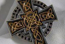 Keltig crosses