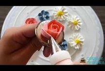 how to pipe a flowers with whipping cream