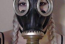 kvinner og gasmasker