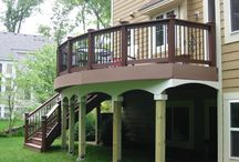 Deck design with screens and arches