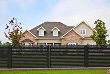 BETAFENCE: Panele ogrodzeniowe Horizen / Poznaj nowoczesny system paneli ogrodzeniowych z profili poziomych. Prawie nieprzezierne - zapewniają wysoką prywatność. Dostępne we wszystkich kolorach palety RAL. Stanowią element pełnego systemu ogrodzeniowego wraz z bramami skrzydłowymi i przesuwnymi.