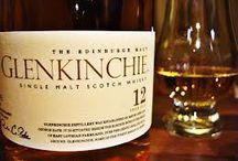 Golf & Whiskey vid Edinburgh / Att whiskey och golf hör ihop är ett välkänt faktum och är något av ett signum för Skottland. Mängder av entusiaster vet att golf och whisky är långt mer än bara en sport och en dryck, utan en livsstil med sitt eget språk och en särskild elegans som bjuder på mängder av möjligheter till sofistikerade njutningar för en sann livsnjutare.