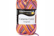 Catania Color SMC / Catania katoen is een hele prettige katoen om mee te haken, de draden splijten niet en het katoen heeft een prachtige glans! De kleuren zijn fris en helder!  naalddikte 2 - 3.5 gewicht: 50 gram lengte: 125 meter 100% katoen