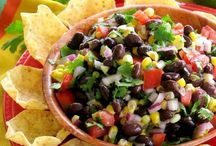 Mexican Dinner Recipes / Mexican dinner recipes that are easy, healthy and fun! Chicken, beef, seafood main and side dishes that are perfect for Cinco de Mayo, Taco Tuesday or a celebration any day of the week!