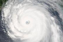 huracanes y maremotos*♥♡