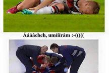 fotbalisté vs. hokejisté