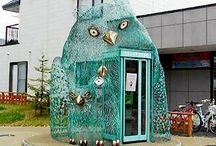 Owl phone booth