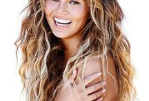HOTNESS: Chrissy Teigen Gets Naked Again...In New Campaign (Photos)