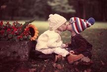 Children kissing / children kissing