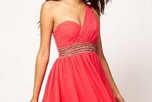 Pretty Dresses / by Alex Reyes