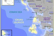 1. E//Grecia//Islas Jónicas//Ionian Islands / Islas Jónicas Las islas griegas del Jónico o Jónicas son: Corfu, Paxos, Anti Paxos, Lefkada, Meganisi, Kefalonia, Itaca, Zakinthos y Kithira.