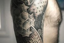 geometric tattoo / Media manga geometrica