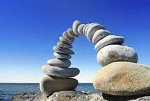 Realisatie / Het kan gebeuren in je leven dat je iets wenst en verlangt, wat er niet is. Dan kun je 2 dingen doen: Of accepteren dat het zo is, óf de tijd nemen om te focussen op wat je precies wil. In deze retraite gaan we ons richten op onze verlangens en op de blokkades die ons in onze levensstroom tegenhouden. We gaan ontdekken, wat de krachten zijn van realisatie en wat precies flow is en wat niet. Meer informatie: http://www.kuuroorddeschouw.nl/detoxkuren/themakuurweken#Realisatie