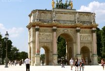 Arc de Triomphe du Carrousel / There are many tourist attractions in Paris which you may want to visit, and the Arc de Triomphe du Carrousel is no exception, being close to the Louvre Museum it also holds fantastic architecture for you to experience.