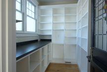 Walk in closet landry room