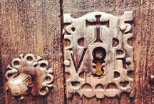 ENTRANCE TO THE PAST- DOOR KNOBS-HANDLES AND MORE...