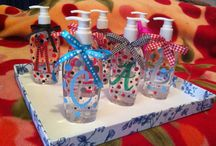 My attempt christmas office gifts ideas / Hand sanitiser gifts as seen on pinterest. My attempts!