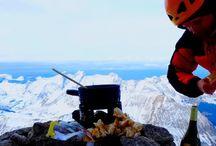 Humans Of The Mountain / [La montagne est une passion commune que nous avons avec nos clients, mais aussi notre communauté. Nous souhaitons partager ensemble les différentes raisons de notre passion et vous donner la parole, pour que vous nous racontiez votre vision de la montagne.]