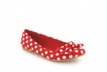 Fabulous Flats / shoes boots / by Lettice