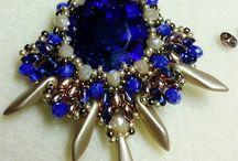 kék ásványos medál