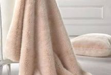 Blankets &Throws