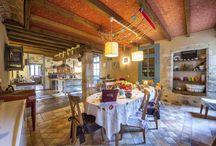 Gîte LA MAISON AROUET / Au cœur d'une petite Cité de Caractère (St Loup Lamairé) et à quelques mètres de son Château, venez goûter le temps d'un séjour au charme et à l'authenticité d'une maison à pans de bois du 16ème siècle : la Maison Arouet  Un gîte de charme (4 étoiles) avec piscine privée chauffée, spa, sauna, hammam, salle de fitness pouvant accueillir 10 à 12 personnes pour des séjours en famille ou en tribu