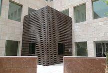 Georgetown University Qatar / Proje, titiz bir çalışmayla mimari çizimleri, üretimi ve uygulaması 2D Yapı tarafından hazırlandı.