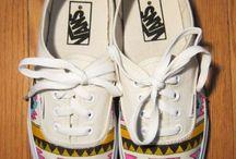 Shoes / by Juli Rezende