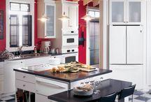 Kitchen / by Telisha Glassburn