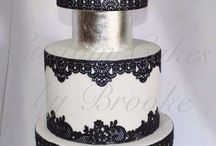 Black & White cakes / by Jessica RC