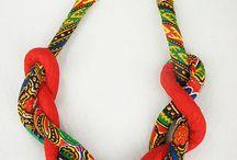 Collares cuerda-tela