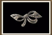 Vintage Brooches / Beautiful Vintage Brooches http://www.antiquejewelleryuk.co.uk/cat2.cfm?recordID=17359