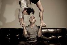 Andi akrobatikák / Andival bemutatón akrobatikus pózok fényképre