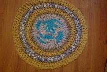Crochet bathmats from rags. / Use any old clean rag. Don't waste anything.