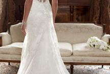 Wedding Dresses / by Lilac Rose Weddings and Events