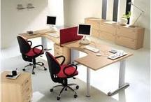 Bureau's / Als professional organizer help ik onder andere met het opgeruimd houden van je bureau. Er zijn heel veel verschillende bureau's. Op dit bord zie je er een aantal.
