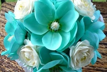 wedding bouquets / by Michele Beaudoin Lindsey