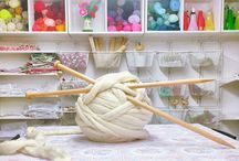 Giant Extreme Knitting & Crochet / We use fluffy #Wooltops for #GiantKnitting and #GiantCrochet