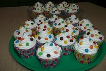 Cakes & cupcakes and cookies / by Silvana Edith Ponce