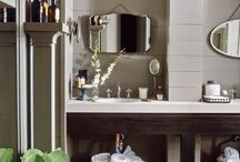 Bathrooms / by Sullins Phelan