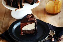 Food - Desserts - Cheescakes / by Debbi Logan