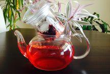 Venez découvrir les bienfaits de la fleur d'hibiscus sur thés-a-dom.com / http://www.thes-a-dom.com/boutique/creer-votre-thes/fleurs-d-hibiscus.html