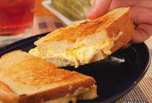 Sandwiches / by Bonnie Callihan