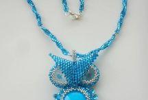 Náhrdelníky Laddy M. / Mnou šité šperky (převážně z korálků)