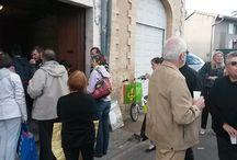 """21 mai 2015 - AMAP / Forte affluence pour le 1er jour de distribution des paniers. En plus des """"Amapiens"""", des beauzellois intéressés étaient présents. Plus d'une vingtaine de paniers ont été distribuées. Alors pourquoi pas vous ?"""