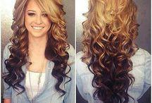 Tmavé vlasy s blond melíry