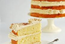 Cakes / by Rosa Ramos